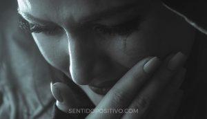 7 razones por las que llorar significa que eres fuerte