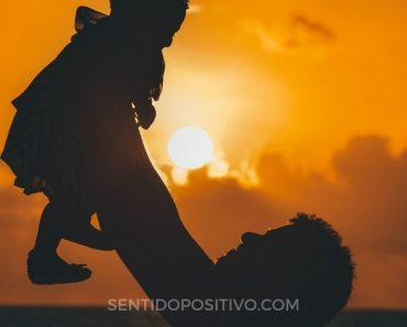 Hijos felices: 13 Cosas que los padres mentalmente fuertes no hacen