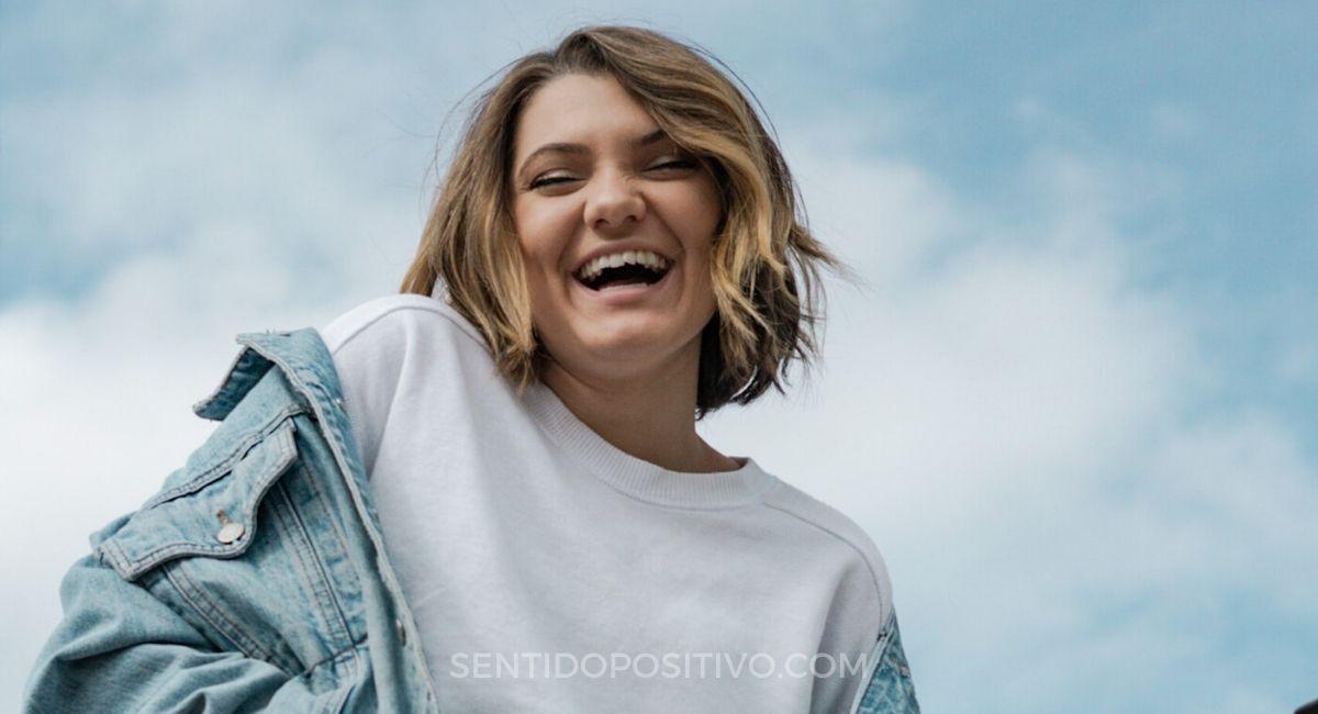 Compartir felicidad: 21 maneras fáciles de ser la razón por la que alguien sonríe hoy