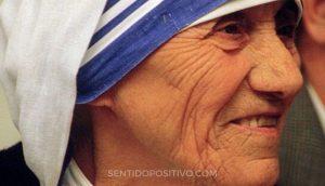 Madre Teresa: 10 lecciones de vida que podemos aprender de la Madre Teresa