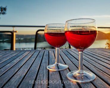 Alcoholismo: 8 Señales de que el alcohol puede tener demasiado poder en tu vida