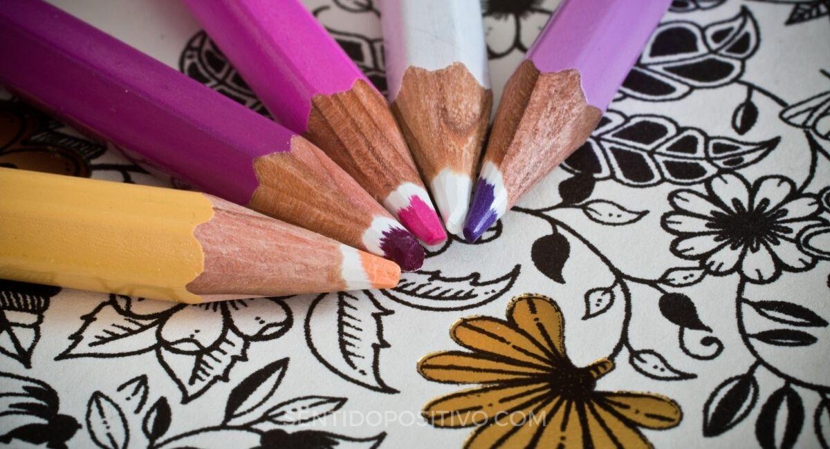 4 Beneficios del colorear para adultos